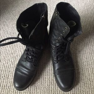 Steve Madden Troopa Combat boots size 7